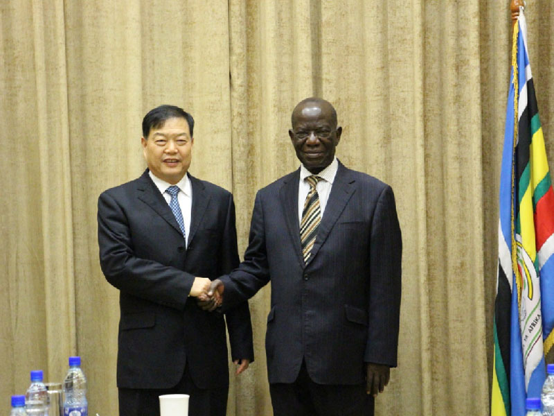 On January 21, 2017, Mr. Chu Jinfu, President of Senyuan Group paid high-level visit to Uganda and met with Edward Kiwanuka Ssekandi, Vice President of Uganda.